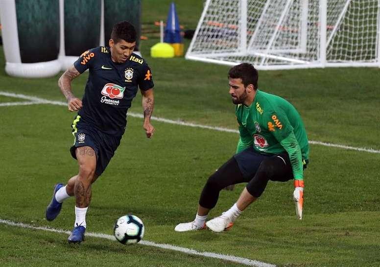 Firmino será titular en el debut de la Copa América. EFE