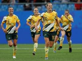 Australia remontó y venció a Brasil. EFE