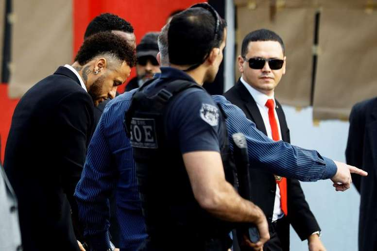 Neymar appeared at a police station in Sao Paulo today to testify. EFE