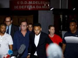 Justiça bloqueia 36 imóveis de Neymar no Brasil. EFE