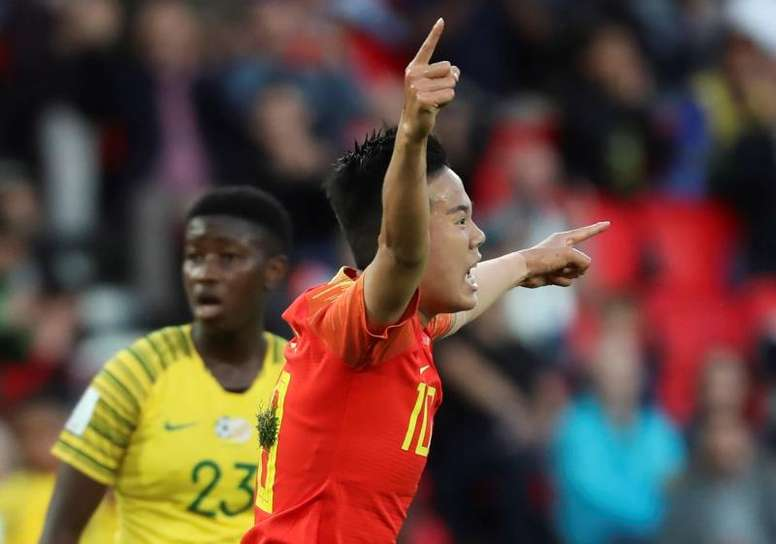Ying Li tumba a Sudáfrica y comprime el grupo de España. EFE