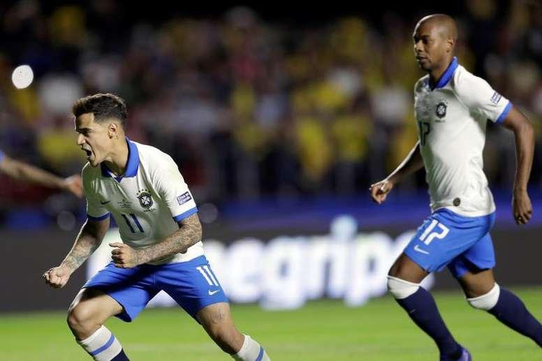 Philippe Coutinho and Fernandinho celebrate for Brazil. EFE