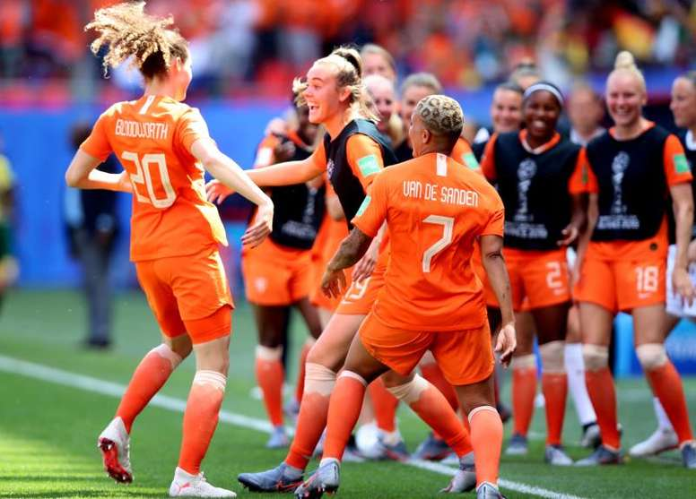 Holanda y Canadá sacan el billete para octavos. EFE