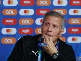 A Tabárez y a Uruguay no le pesan las 15 Copas. EFE