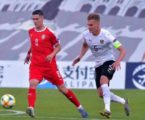 Austria venció en el estreno del Europeo a Serbia. EFE