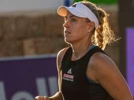 La tenista alemana Angelique Kerber durante su partido ante la belga Ysaline Bonaventure del torneo de tenis femenino Mallorca Open. EFE