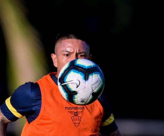 Cristian Ramírez alertó del peligro de Chile. EFE