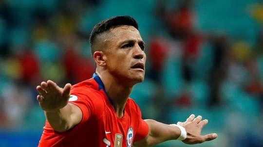 Solskjaer confirma que Alexis Sánchez está sendo negociado. EFE