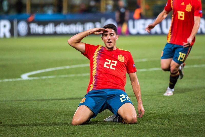 Pablo Fornals comemorando gol pela Seleção da Espanha