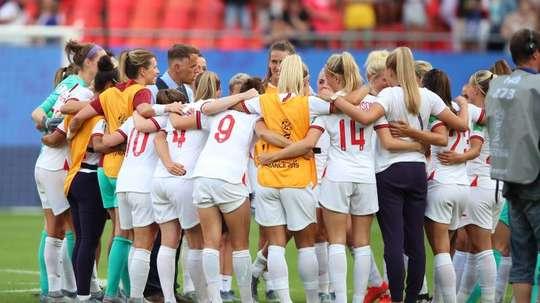 Les joueuses de la sélection anglaise célèbrent leur passage en quarts de finale. EFE