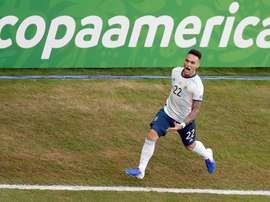 Argentina reaccionó a tiempo para ganar a Catar y clasificarse. EFE