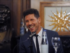 Simeone desgranó la actualidad del fútbol en su país. EFE