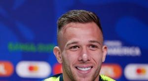 Quando o Olympique de Lyon quase roubou Arthur do Barcelona. EFE
