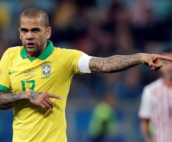 Dani Alves était associé aux Spurs par les rumeurs. EFE