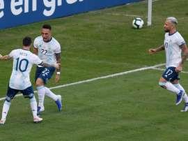 Lautaro Martínez et Lionel Messi qui célèbrent un but le 28 juin 2019. EFE