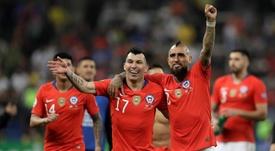 Medel eligió a Vidal como el mejor jugador chileno de la historia. EFE/Archivo