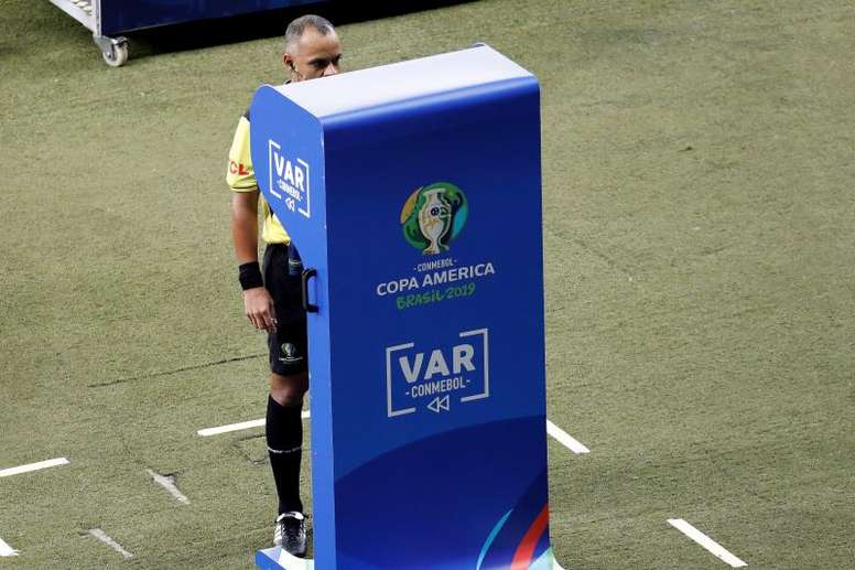Resultados da implementação do VAR no Brasileirão foram apresentados. EFE/Paulo Fonseca/Archivo