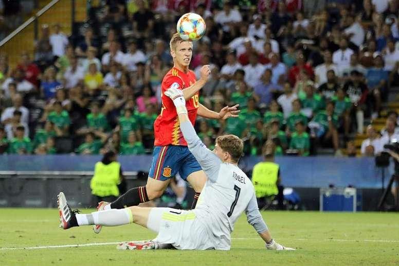 Dani Olmo fue convocado para la Selección Absoluta. EFE