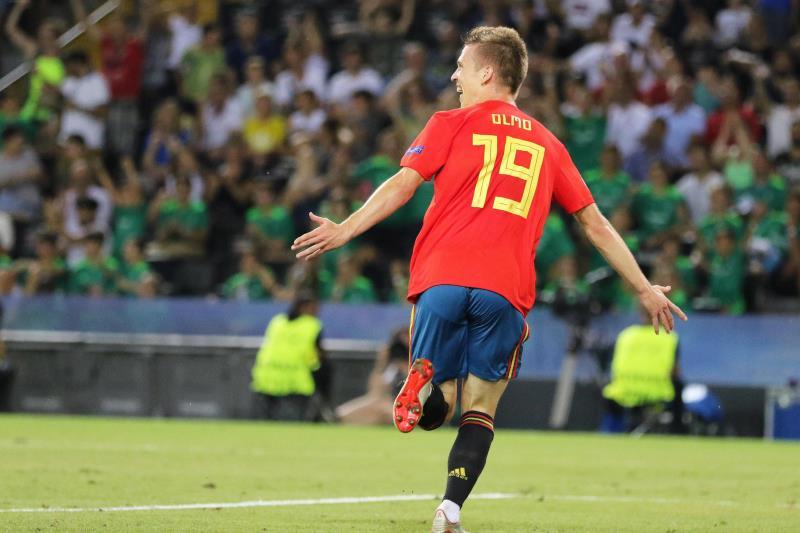 Dani Olmo durante un partido con la Selección Española. EFE