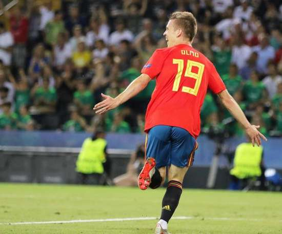 Bayern are weighing up a move for Dani Olmo. EFE