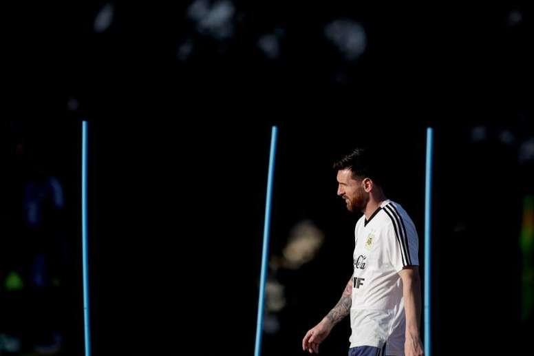 La AFA intentará acortar la sanción a Leo Messi. EFE