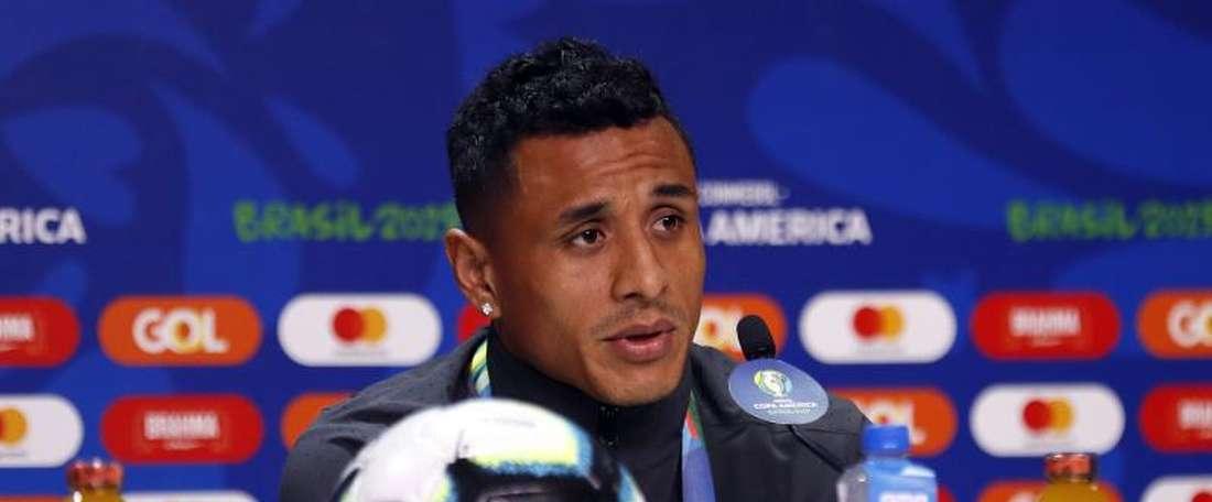 Yotún garante que será um encontro diferente frente ao Brasil. EFE/Mauricio Dueñas Castañeda