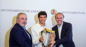 El Ayuntamiento de Zaragoza homenajeó a Vallejo. EFE