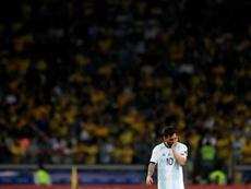 La afición al habla: que sigan Messi y Lautaro, pero no Di Maria y Scaloni. EFE/Antonio Lacerda
