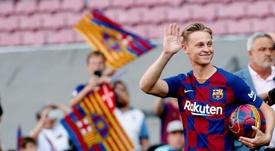 De Jong est entré par la grande porte du Camp Nou. EFE