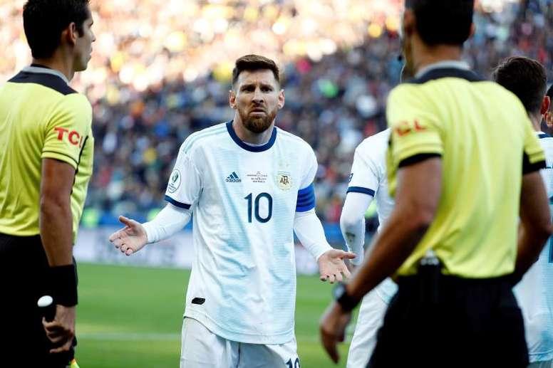 Árbitro explica na súmula os motivos da expulsão de Messi. EFE/Sebastião Moreira