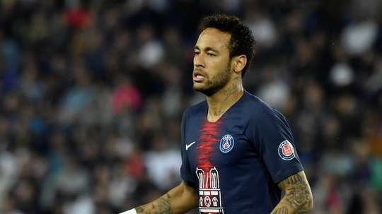 Neymar has gone from a superstar to a major headache for PSG. EFE/Archivo
