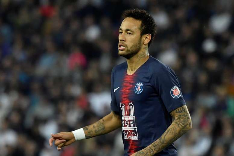 Neymar is not on Real Madrid's wish list anymore. EFE