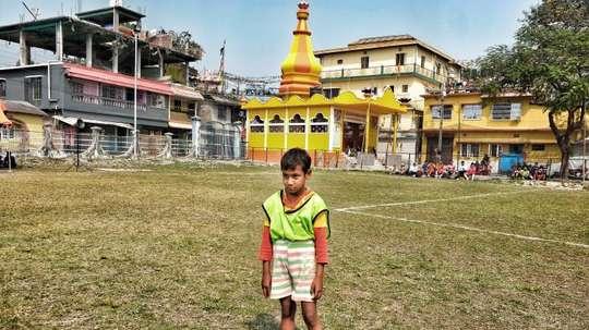 El fútbol, la salida rebelde para los niños indios más pobres. EFE