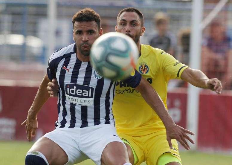 Víctor Ruiz (d) podrá jugar ante el Valladolid. EFE
