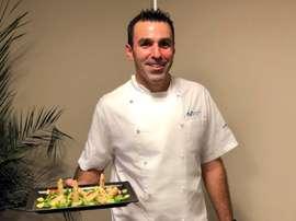Lorenzo Pajares, cocinero que acompaña al camión de Movistar en Giro, Tour y Vuelta. EFE/Movistar