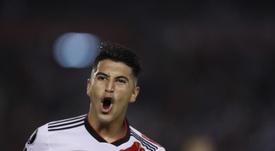 El centrocampista argentino podría desembarcar en Europa. EFE