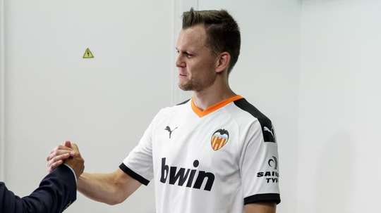 Cheryshev estuvo en la presentación de un nuevo patrocinador del Valencia. EFE