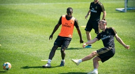 Zidane sans latéral gauche contre Osasuna. EFE