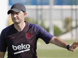 Le cours magistral de Valverde à 17 entraîneurs japonais. EFE/Andreu Dalmau