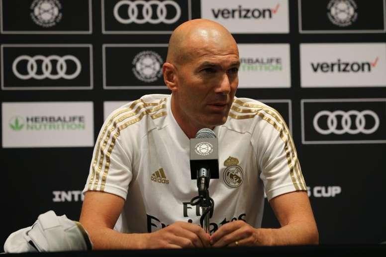 Zidane fala sobre temas do momento no Real. EFE/ Jorge Campos