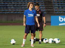Griezmann starts training with his favourite piece: the head of the lion. EFE