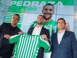 Pedraza, presentado en el Betis. EFE