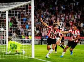 O time do PSV já entrou em acordo para reduzir salários. EFE/Robin Lonkhuijsen