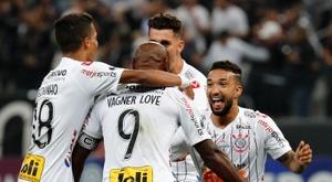 Corinthians se lame las heridas. EFE/Paulo Whitaker