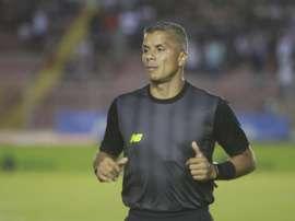 Real Salt Lake despide a Petke por insultos homófobos a un árbitro. EFE/Arturo Wong