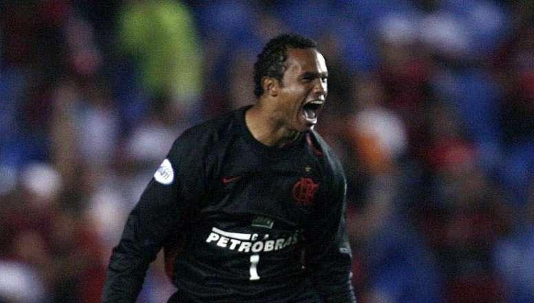 El ex de Flamengo condenado a más de 20 años por matar a su ex ya tiene equipo. EPA