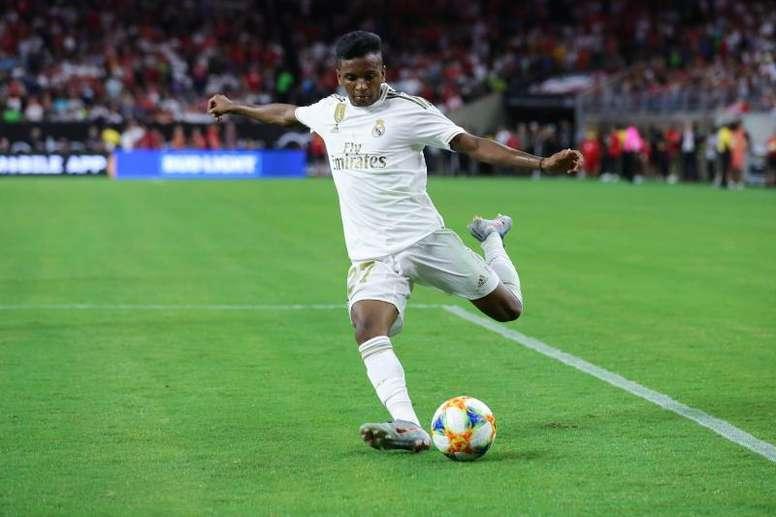 El Madrid no descarta ahora la cesión de Rodrygo. EFE