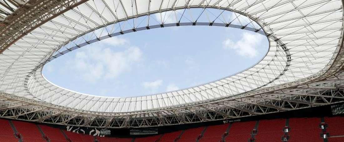 Jogador pode atuar no estádio de seu clube, com sua seleção e contra seu país natal. EFE/LUIS TEJIDO