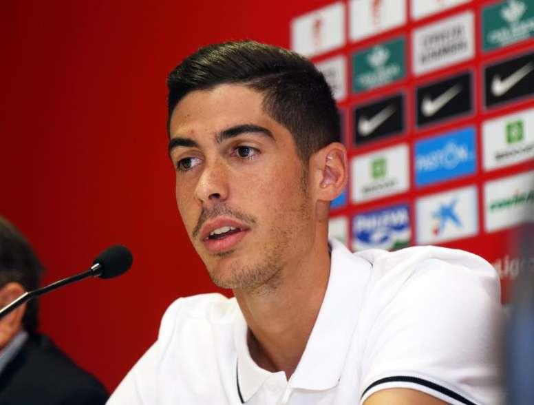 Carlos Fernández debutó con el Granada ante el Sevilla. EFE