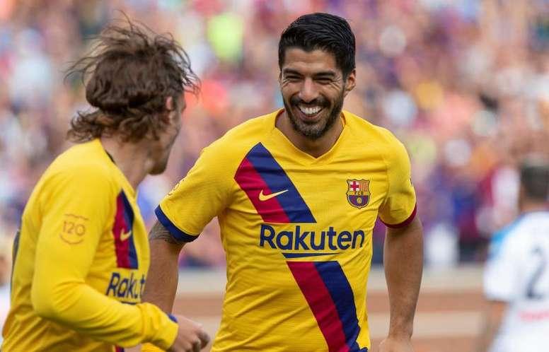 Com desfalques no ataque, Luis Suárez e Junior Firpo garantiram vitória. EFE/ Rena Laverty/Archivo